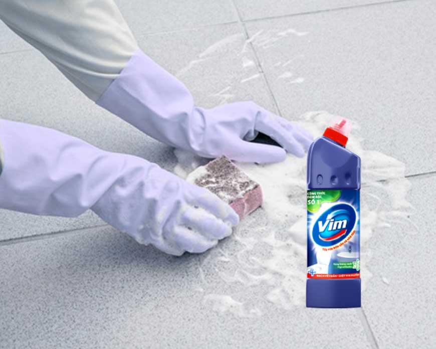 Tẩy vết ố trên nền gạch ốp lát